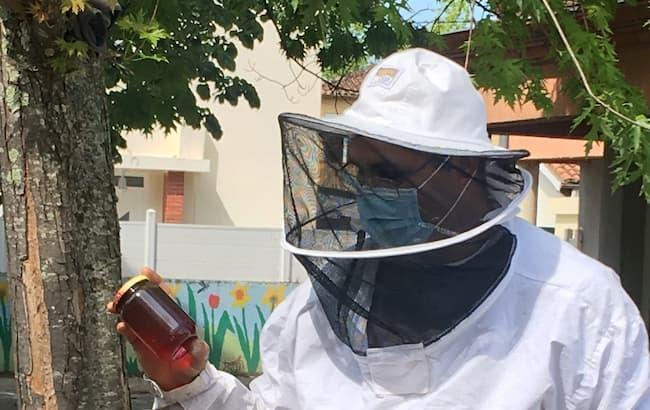 Un apiculteur à la maternelle