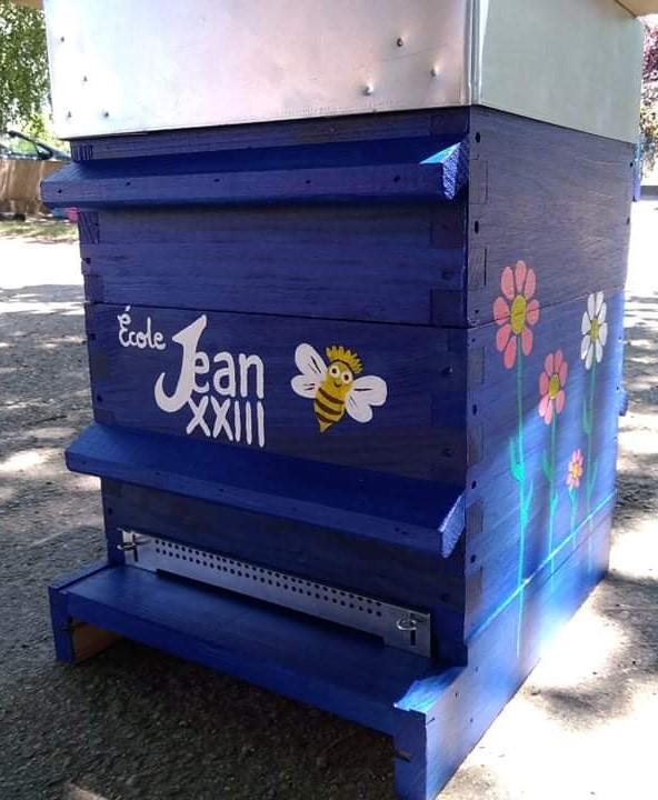 JEAN  XXIII se passionne pour les abeilles …